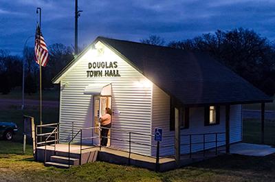 Douglas Town Hall, 2014 election morning
