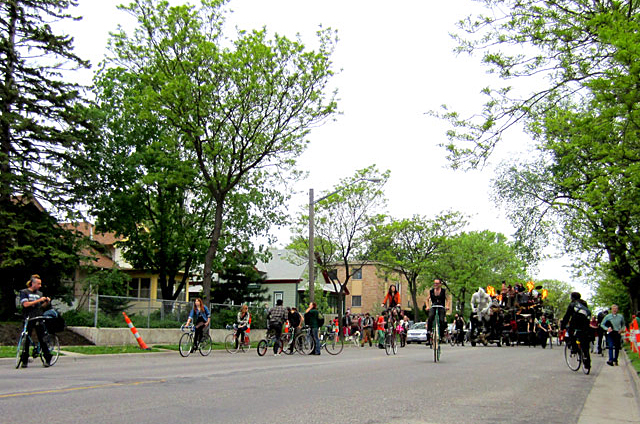 "The ""South Side Battle Train"" coming down Bloomington Avenue before the Mayday Parade."