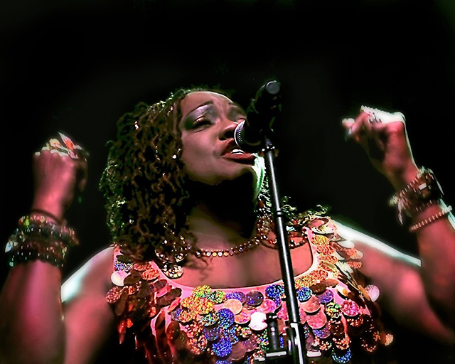 Thornetta Davis to perform Saturday night at the Dakota.