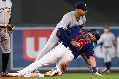 photo of player getting forced out at twins-yankees game