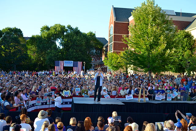 """Warren told thousands at Macalester College on Monday that unions should be invigorated and will """"rebuild America."""""""