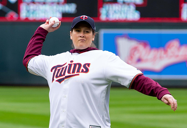 Lindsay Whalen throwing out the ceremonial first pitch before an April 2019 Twins game.