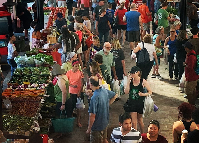 The St. Paul Farmers Market plans to create one-way traffic flow for people walking through the market.