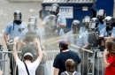 Minneapolis Police spraying mace at protestors
