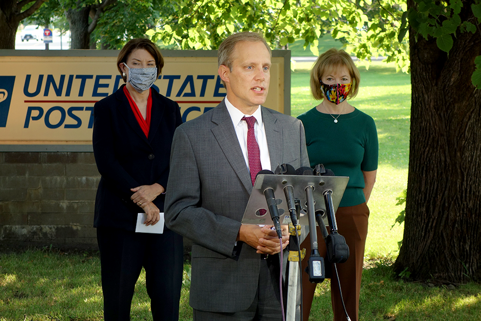 Secretary of State Steve Simon, shown with Sens. Amy Klobuchar and Tina Smith