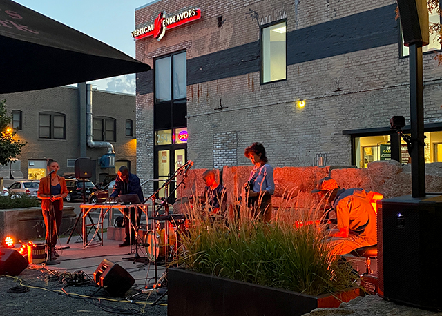 Left to right: Renee Copeland, deVon Russell Gray, Davu Seru, Diane Miller, and J.G. Everest perform on the Icehouse courtyard in August.