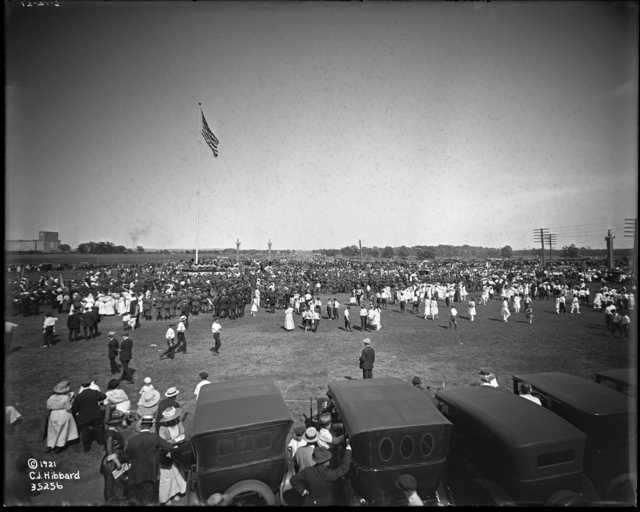 historical photo of crowds at victory memorial dedication ceremony