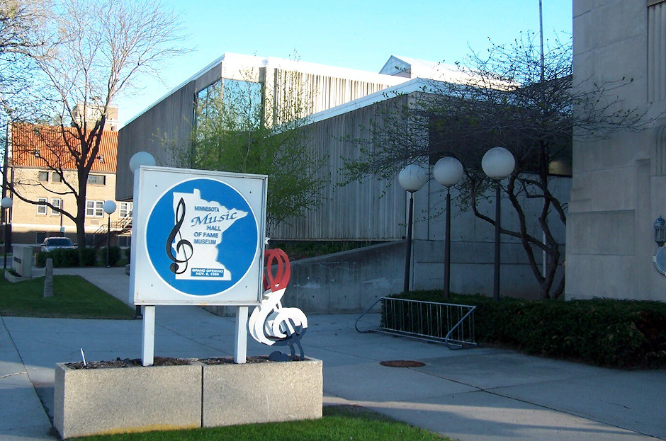 photo of sign and building of mn music hall of fame