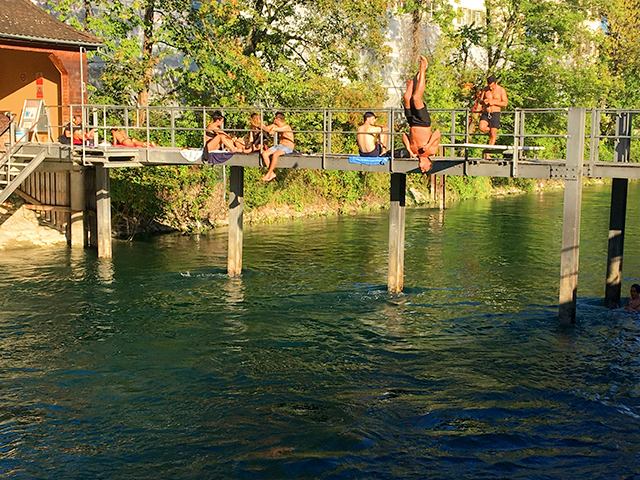 If you were a resident of Zürich, in Switzerland, you might take the opportunity on a warm day like this to jump into the cool, clear waters of the Limmat River.