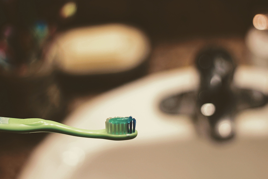 Did you brush your teeth this morning? Most toothpastes use a petroleum derivative in their composition.