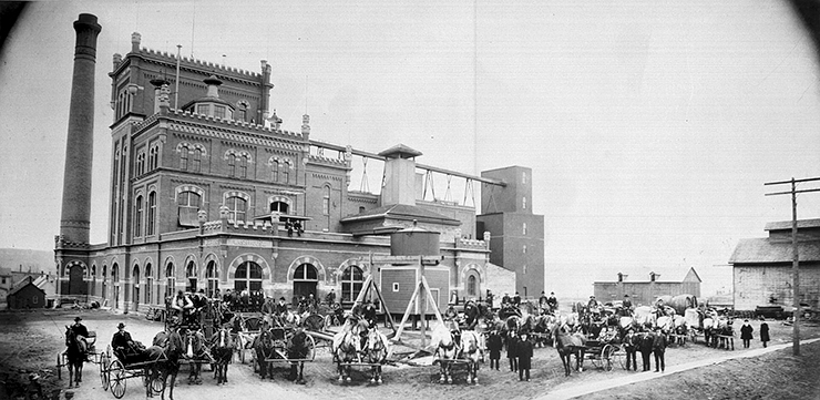 Schmidt Brewery, circa 1905.
