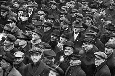 Striking streetcar workers assembled in Rice Park in 1917.