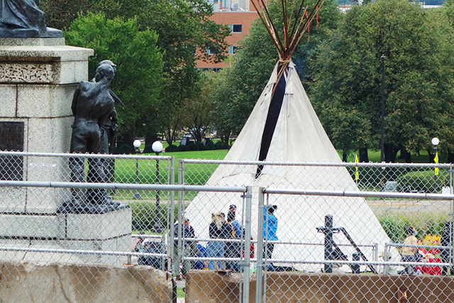 The decision to restore the fencing was blamed on threats to occupy the Capitol as part of protests against the Line 3 oil pipeline project.