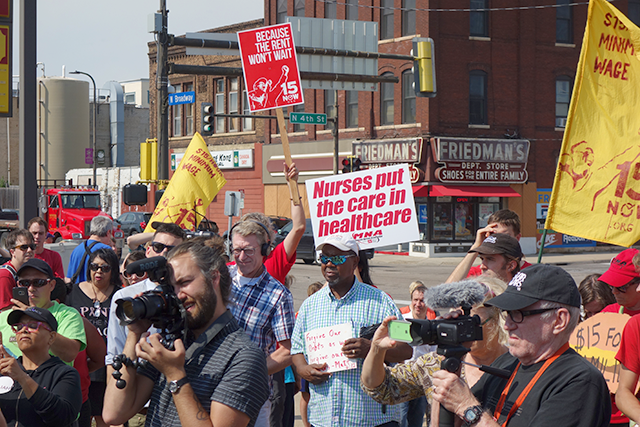 MNA members joined activists at a Minneapolis fast food restaurant
