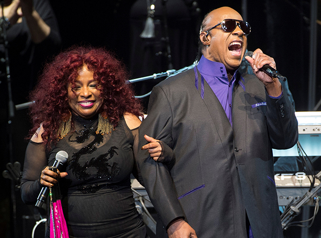 "Chaka Khan and Stevie Wonder performing Prince's ""1999"""