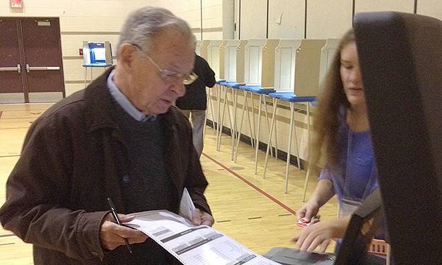 Former Minneapolis mayor Don Fraser voting Tuesday morning at Marcy Open School.