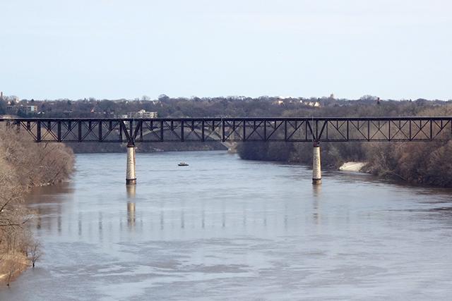 The Short Line Bridge from the Franklin Avenue Bridge.