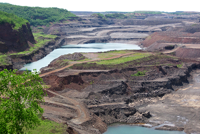 The Hull–Rust–Mahoning open pit iron mine