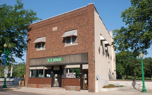 K.K. Berge storefront