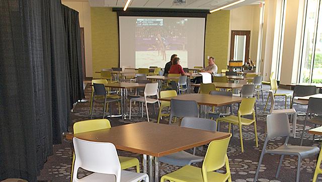 MPS Davis Center lunchroom