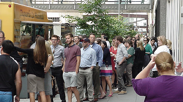 Marquette food truck crowds
