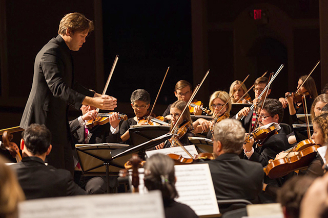 Minnesota Bach Ensemble under the direction of conductor Andrew Altenbach
