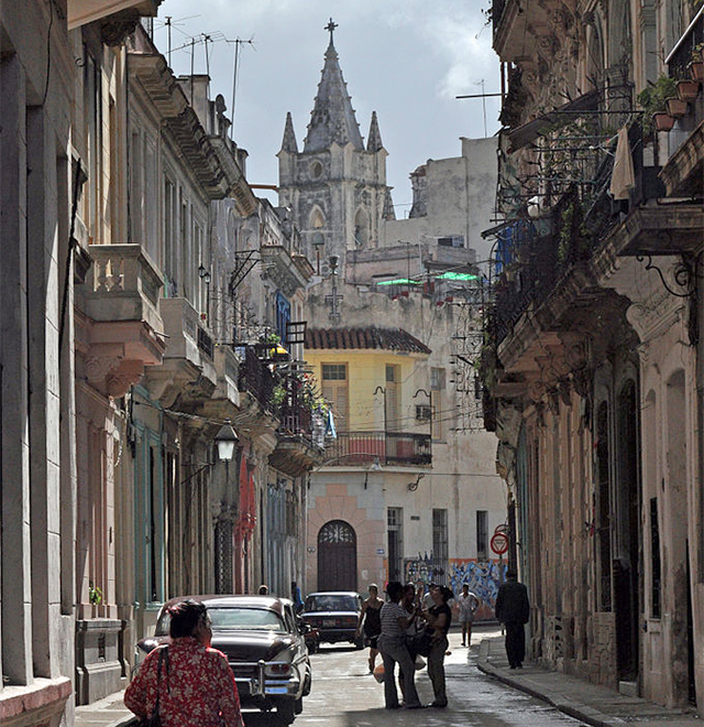 There were more tourists and more tour buses in Old Havana
