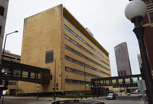 The Minnesota Mutual Life Insurance/Pioneer Press building