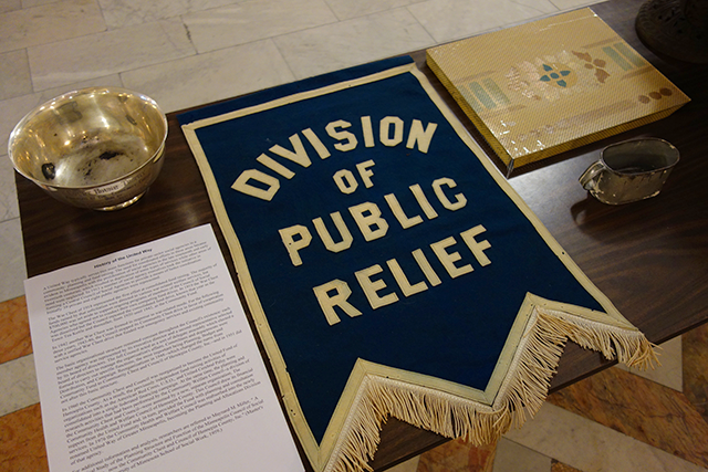 Bowl and relief banner