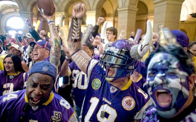 Vikes fans cheer House vote