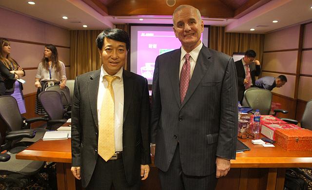 Zou Guangyou and Gov. Mark Dayton