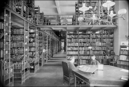 A 1905 photo of the stacks area in the original Minneapolis Public Library