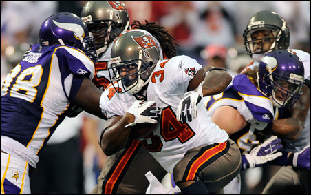 Tampa Bay Buccaneers running back Earnest Graham running for six yards against Minnesota Vikings in the fourth quarter on Sunday.