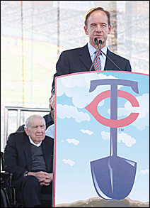 Carl, left, and Jim Pohlad (2007)
