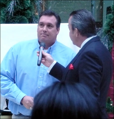 1982 first baseman Kent Hrbek chats about his memories with Twins broadcaster Dick Bremer today at IDS Crystal Court.