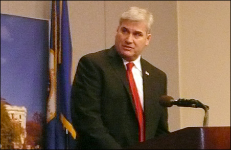 In his first post-election public comments, GOP gubernatorial candidate Tom Emmer urged everyone to let the recount process play out.
