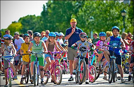 Festival director David LaPorte is shown starting the 2009 kids' fun race.