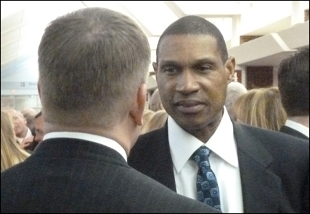 Before the governor's speech, new Vikings coach Leslie Frazier chatted up House Speaker Kurt Zellers.
