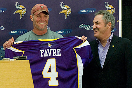 best cheap 52818 ebfab Both Brett Favre and Vikings coach Childress say they saw ...