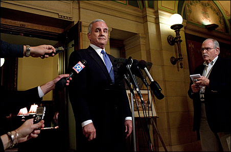 Mark Dayton greeted the press following his Nov. 9 meeting with Gov. Pawlenty.