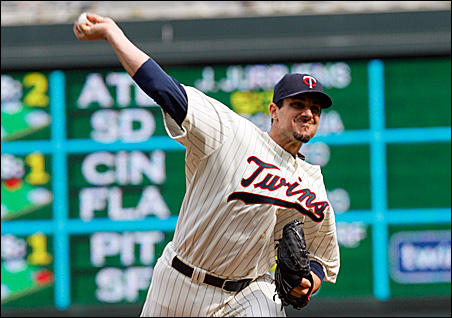 Carl Pavano is returning to the Minnesota Twins for two years.