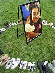 Several displays honoring dead Iraqi civilians continued the shoe theme.