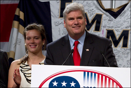 Rep. Tom Emmer addressing convention delegates on Friday. At left is his daughter Katie.