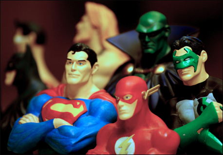 Superman and the Flash (front), Martian Manhunter and Green Lantern (back).