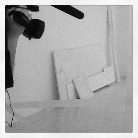 A video camera creeps into a deliberately incomplete exhibit by Fischli/Weiss