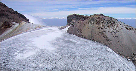 Glaciers that crown the Iztaccihuatl volcano in Mexico could disappear by 2015 with scientists pointing to global warming as a chief cause of their demise.
