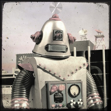 Robot photo by Friendlymade