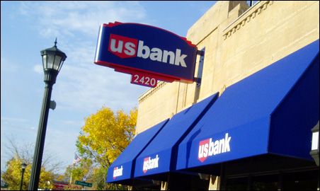 What was once Minneapolis Floral's location on Hennepin is now a US Bank.
