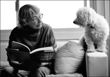 Poet Mary Oliver will read at the State Theatre on Sunday.