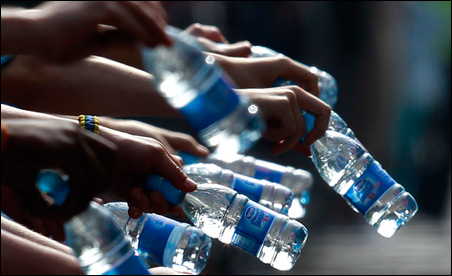 A quarter of the blacks and Hispanics surveyed serve their children bottled water -- contrasting to 8 percent of white parents.